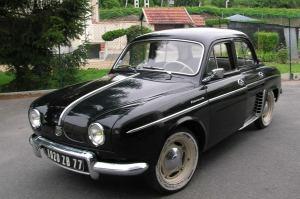 Renault_Dauphine_010